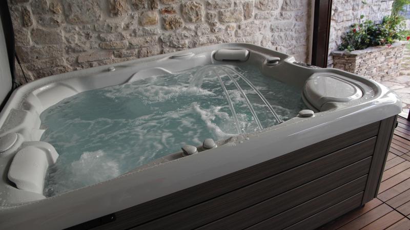 Hot Tube - Authentic Dalmatian Stone House with Spa - Jadrija - rentals