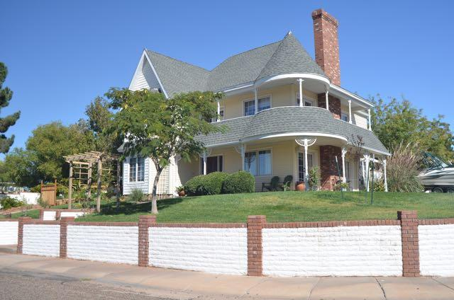 Welcome to our Victorian in the Southwest! - Southwest Victorian in the Desert - Page - rentals