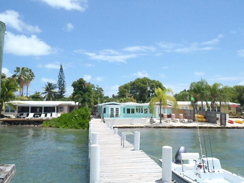 421, 423 and 425 121st Street Gulf, Marathon, FL 33050 - Twelve Bedrooms! Up to 30 peoplePools-Docks-Kayaks - Marathon - rentals