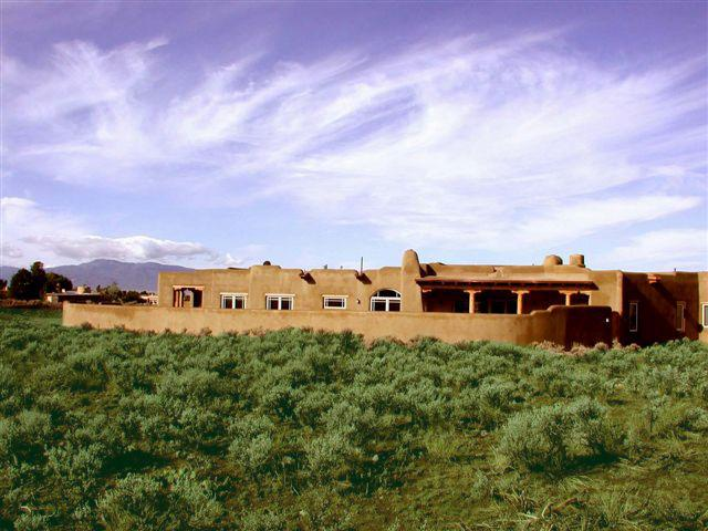 Custom adobe privacy walls surround this upscale Taos vacation rental home - Casa de Familia - Taos - rentals