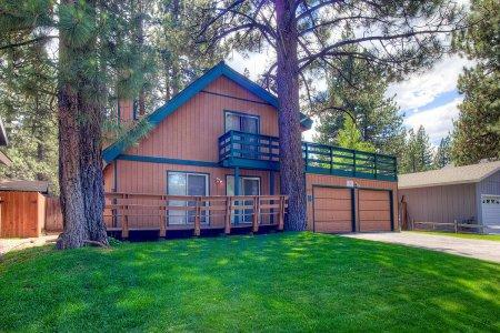 Centrally located to all the South Shore has to offer - CYH1043 - Image 1 - South Lake Tahoe - rentals