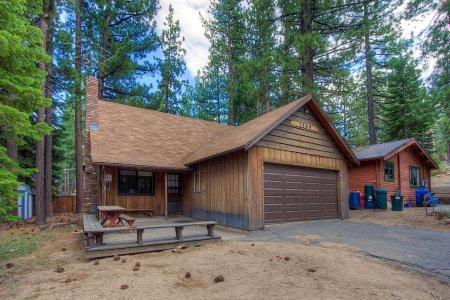 Wonderful cabin near hiking trails and sledding hills - CYH1269 - Image 1 - South Lake Tahoe - rentals