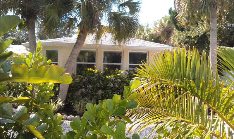 View of Studio Apartment from Street - Large Studio. Walk to Village. Couple Getaway! - Siesta Key - rentals
