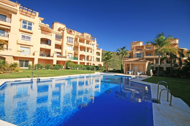 3 bedroom apartment, Princess Park Calahonda 1699 - Image 1 - Mijas - rentals