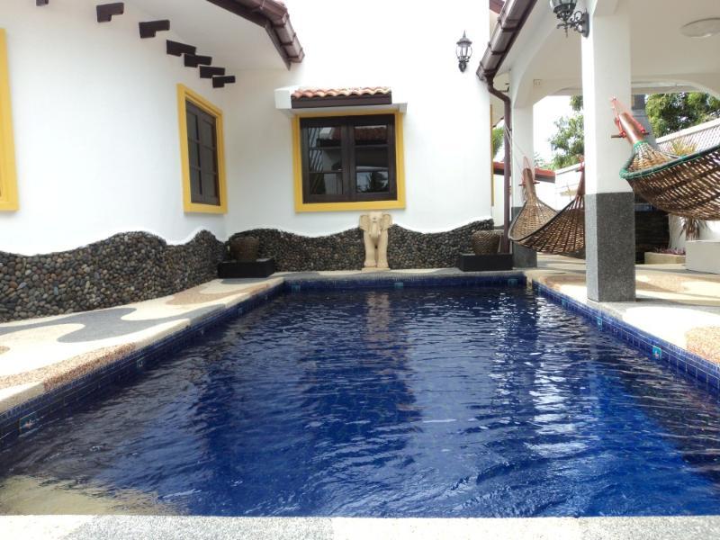Villas for rent in Hua Hin: V6132 - Image 1 - Hua Hin - rentals