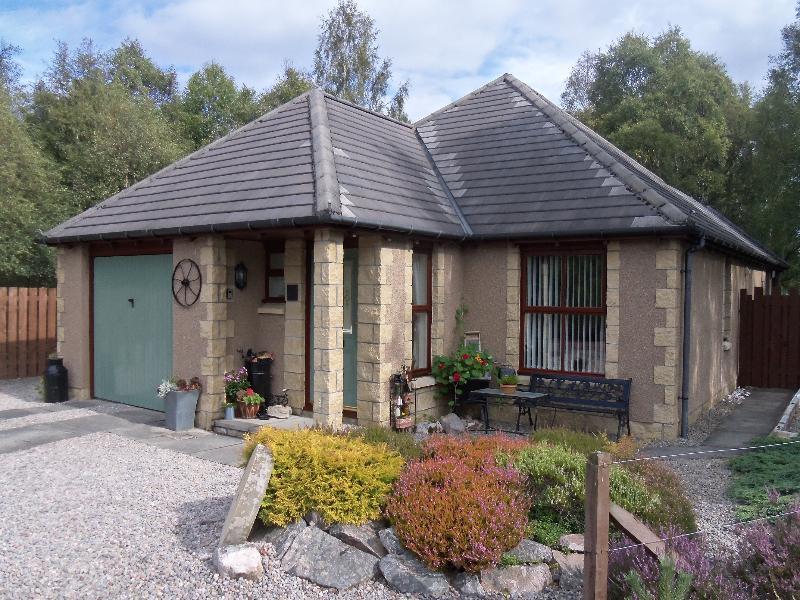 WELCOME to Honeybee Cottage - Honeybee Cottage - Aviemore - rentals