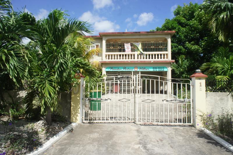 NEW FREEDOM PALACE VILLA - Hideway - Ocho Rios - rentals