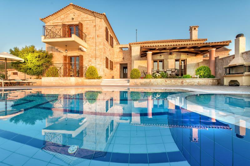 Emerald Deluxe Villa - Image 1 - Askos - rentals