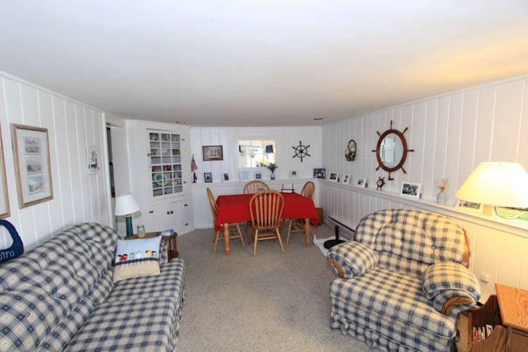 Living room - 103 North Shore Blvd unit 1 - East Sandwich - rentals