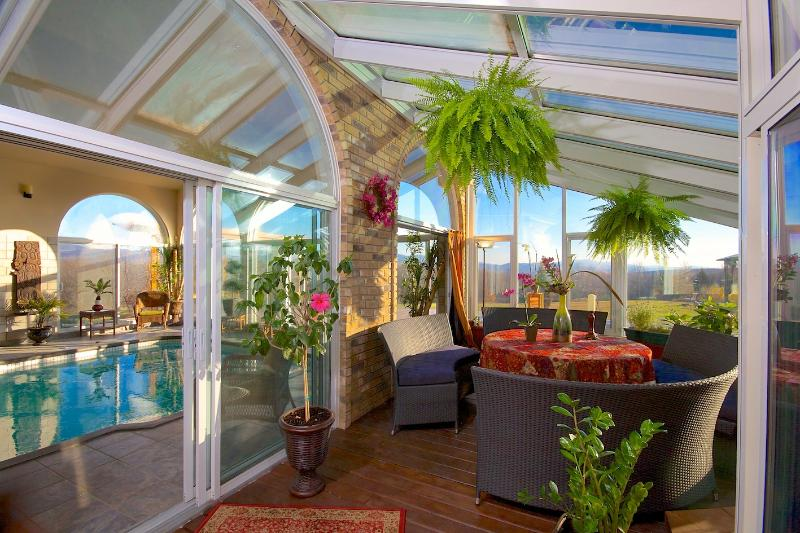 VERANDA - LIVING ROOM - GAME ROOM - VILLA RANCH SUTTON MAGICAL FOR WEDDING AND PARTY - Sutton - rentals