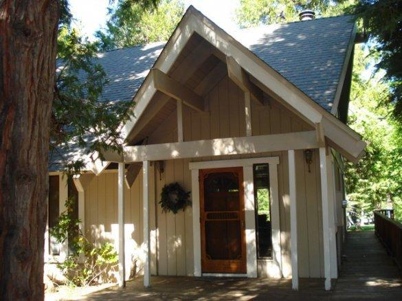Front of home - Hester - Almanor West Golf Course Home - Lake Almanor - rentals