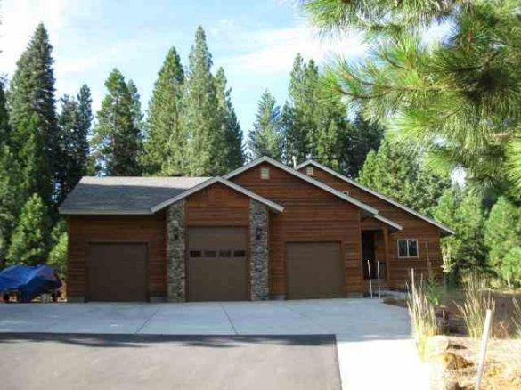 Front of home - Morris - Almanor West Golf Course Home - Lake Almanor - rentals