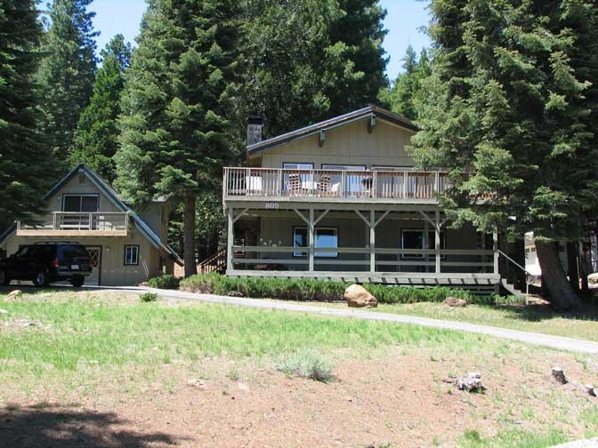 Front of Home - Country Club Main House plus Cottage - Lake Almanor - rentals