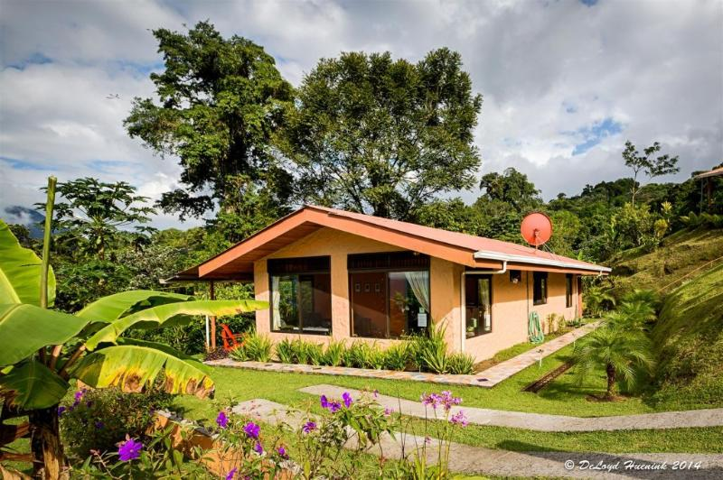 Encantada Guest HOuse - 2 Bdrm House  Fabulous Lake & Active Volcano Views - El Castillo - rentals