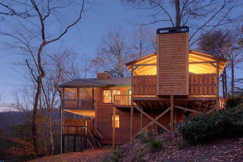 Dusk shot of the Treehouse - One of most incredible mountain views in North GA - Ellijay - rentals