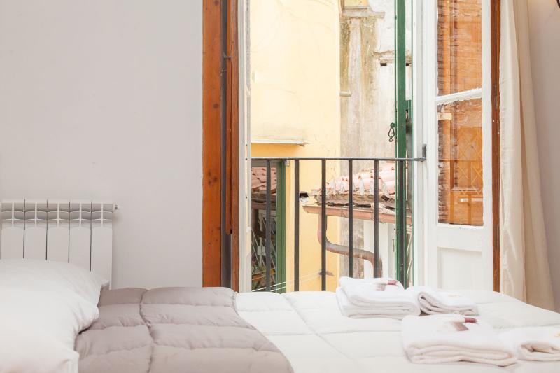 Navona Librari Apartment - Image 1 - Rome - rentals