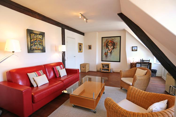 A delightful Blvd. St. Germain apartment with AC near Notre Dame - Image 1 - Paris - rentals
