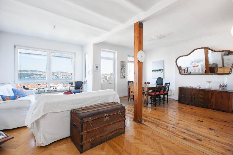 Living Room - CIHANGIR | Stunning Bosphorus view! - Istanbul - rentals
