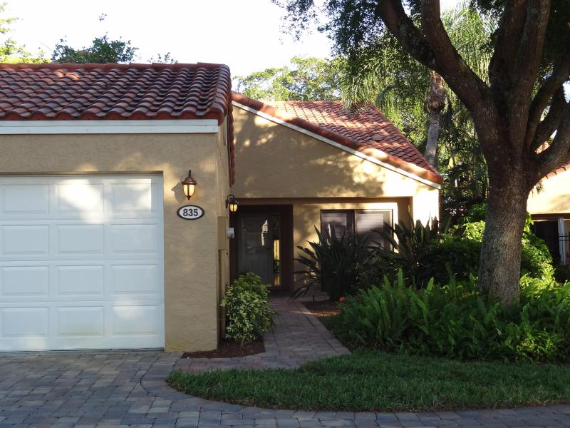 Exterior of villa - Vanderbilt Beach Villa at Beachwalk - Naples - rentals