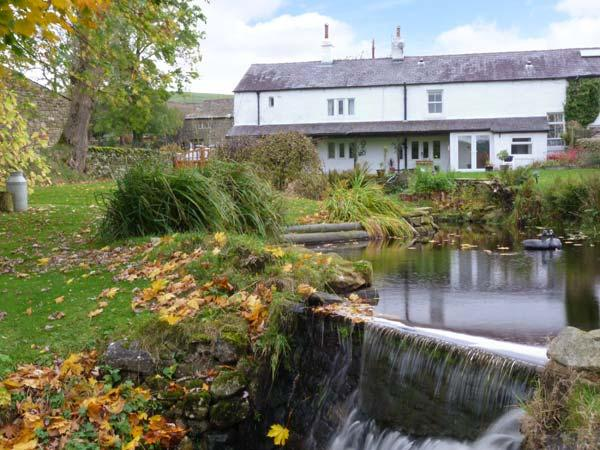 SAETR COTTAGE, pet-friendly cosy country retreat, in Harrop Fold near Bolton-by-Bowland Ref 915780 - Image 1 - Bolton by Bowland - rentals