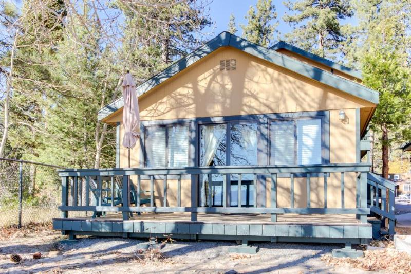 Private lake front home with easy beach access & shared pool - Image 1 - Tahoe Vista - rentals