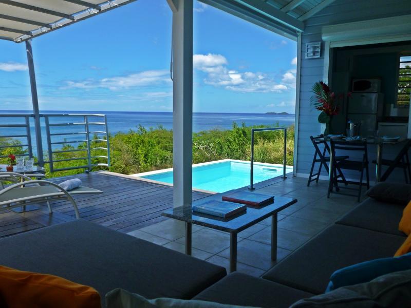 Air-conditioned ocean front villa. Villa climatisée en bord de mer. Blue Haven Villas - Oceanfront Villa with private pool in Bouillante - Bouillante - rentals