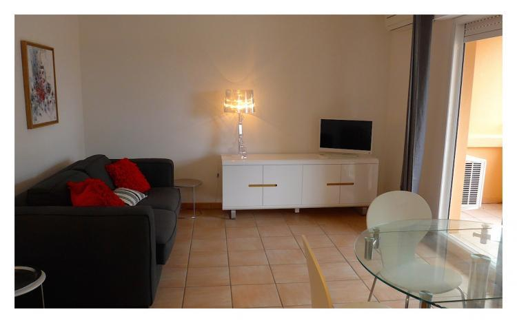 Hesperides Affordable 1 Bedroom Cannes Apartment, Near the Sea - Image 1 - Cannes - rentals