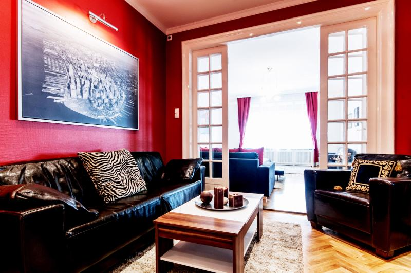 3 bedrooms apartment next to Parliament - Image 1 - Budapest - rentals