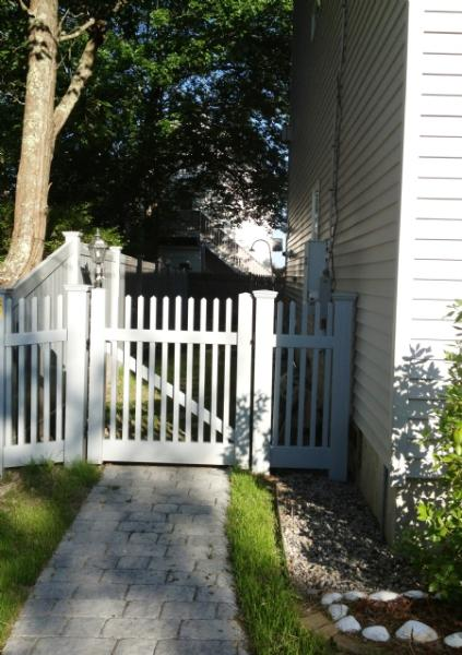 Side Entrance - W108 - Wells - rentals