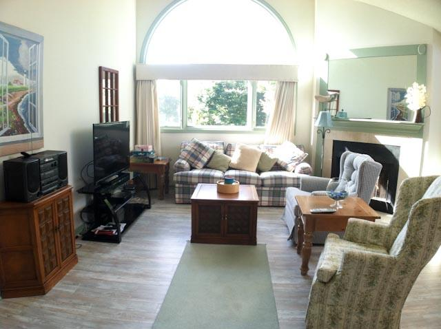 Living Area - Ocean Edge Upper Level with King bed,  Golf & Pool (fees Apply) - EN0279 - Brewster - rentals