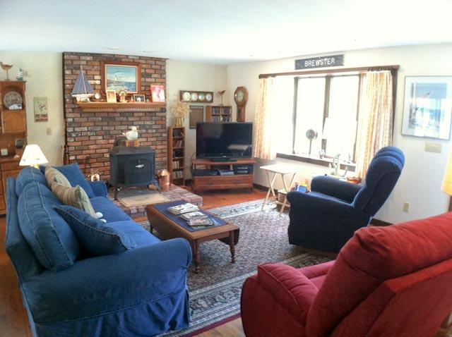 Living Area - Close to Seymour Pond & Bike Path, Central A/C - BR0562 - Brewster - rentals