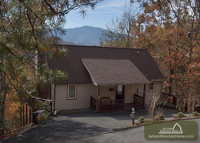 On Eagle's Wings  Views Hot Tub Theater WiFi Pool Access   Free Nights - Image 1 - Gatlinburg - rentals