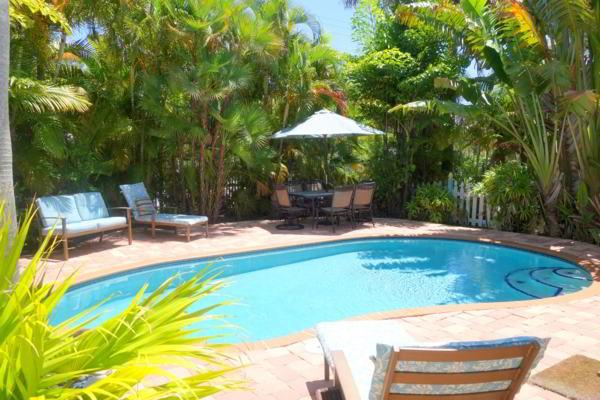 Pool 1 - DOLPHIN COTTAGE - Holmes Beach - rentals