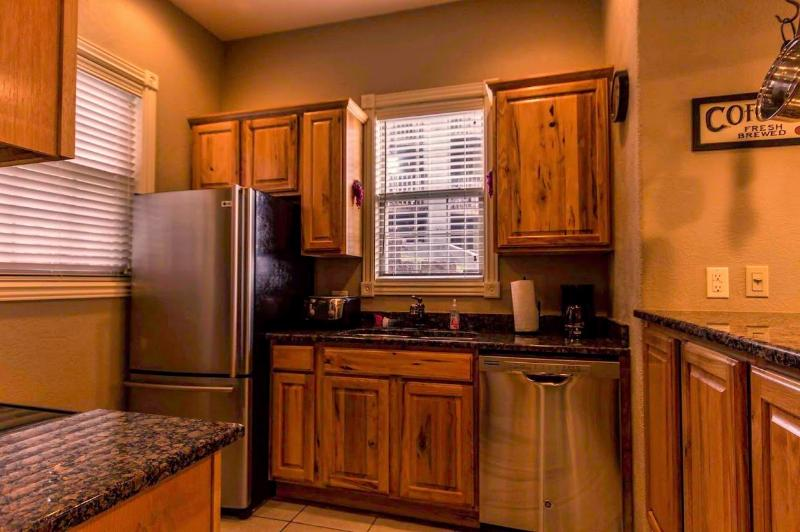 Branson Vacation Rental | Eagles Nest | Indian Point | Silver Dollar City | Pool (3110601) - Image 1 - Branson - rentals