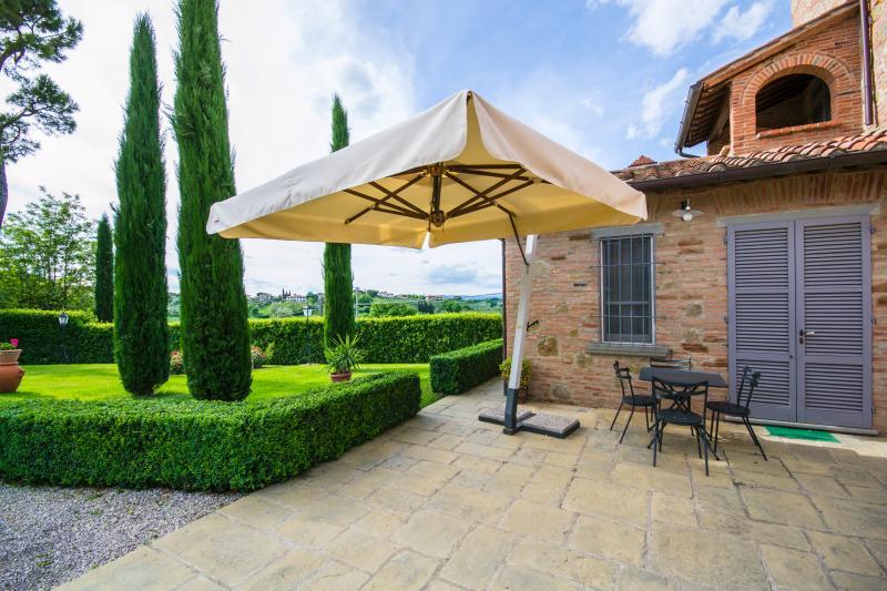 Large Villa with Three Separate Apartments Near a Village - Villa le Rondini - Image 1 - Foiano Della Chiana - rentals