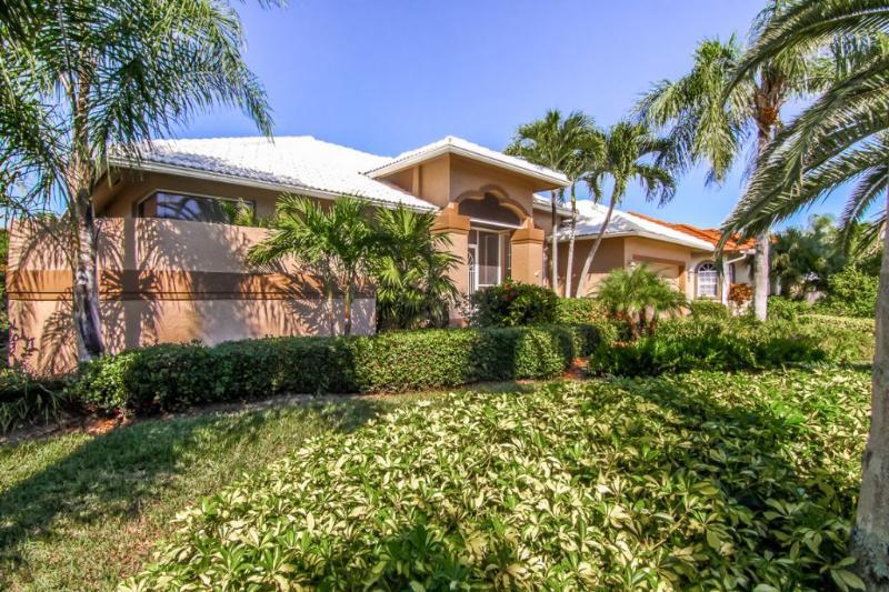 Front of home - 1556 Buccaneer Court - Marco Island - rentals