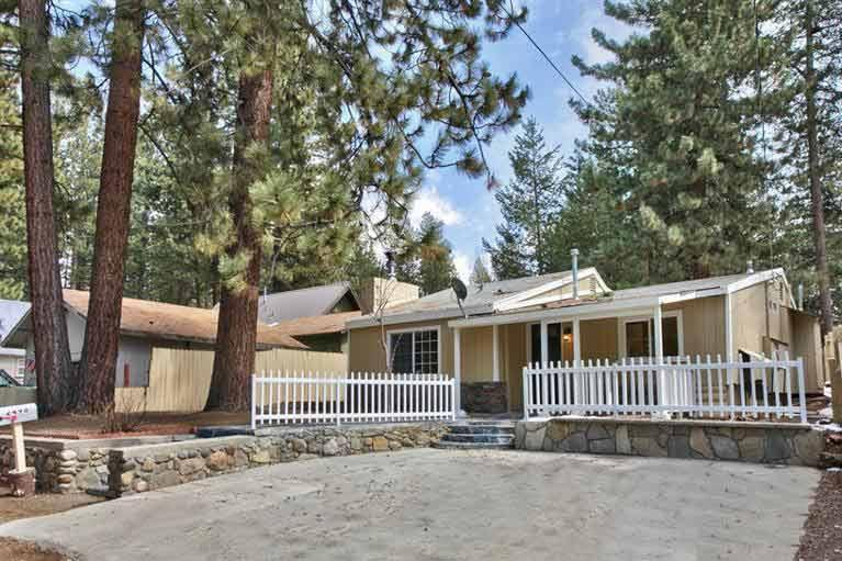 Exterior - 2498 Armstrong Avenue - South Lake Tahoe - rentals