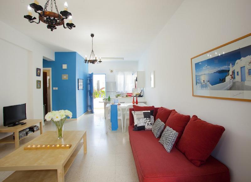 PRAE30 The Blue Suite - Image 1 - Protaras - rentals