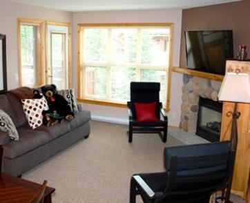 Living Room with flatscreen tv - Crystal Forest Condos - 31 - Sun Peaks - rentals