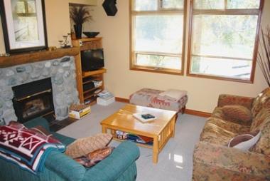 Living Room - Alpine Greens Condos - 07 - Sun Peaks - rentals