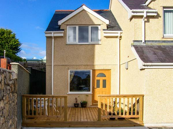 BRYN Y DON COTTAGE, pet-friendly cottage with WiFi, close to the coast, in Benllech, Ref. 917838 - Image 1 - Benllech - rentals