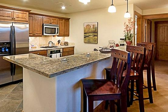 Emerald Lodge Kitchen - 5102 - 5102 Emerald Lodge, Trappeurs - Steamboat Springs - rentals
