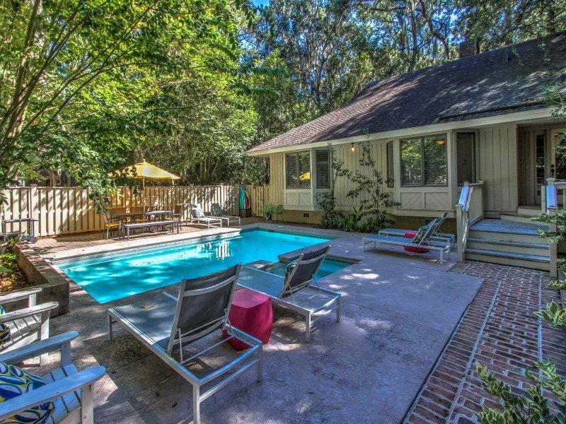 28 Battery Road - Image 1 - Sea Pines - rentals