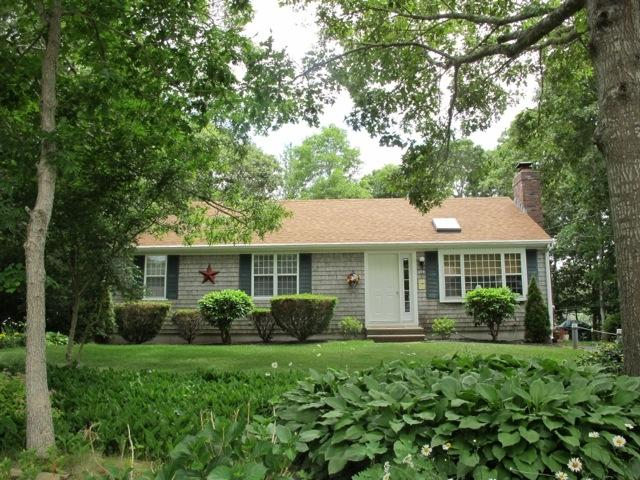 NEAR BEACH AND MAIN STREET!! 124108 - Image 1 - Hyannis - rentals
