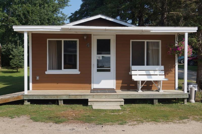 Cabin #4 Outside - Cabin 4 Northwoods Charm Cabin Family Fishing Reso - Blackduck - rentals