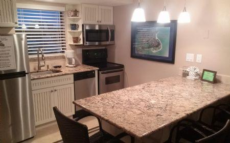 New UPDATED Kitchen - Well appointed and updated condo in popular Resort complex- Perfect for your Island Vacation! - Marco Island - rentals
