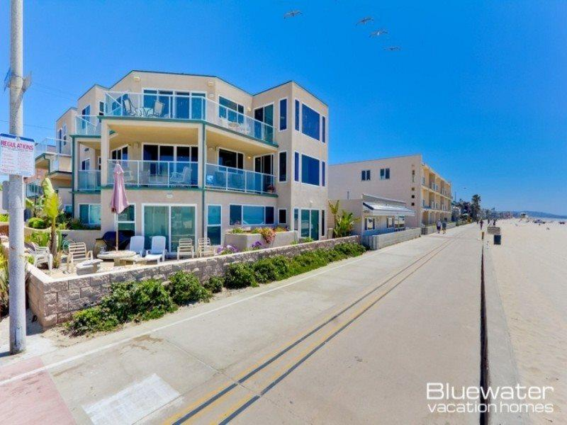 The home encompasses the entire second floor overlooking Mission Beach with 3 patio decks - Rockaway Ocean Front II - 4 Bedroom Luxury Mission Beach Vacation Rental - Pacific Beach - rentals