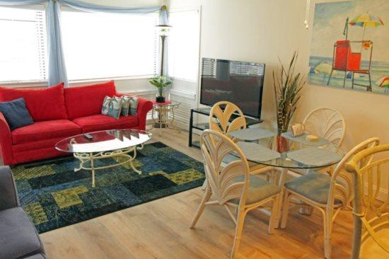 2 BR Condo 1 Block From the Ocean - Beautiful Vacation Condo-New Hard Wood Floors 02107 - Myrtle Beach - rentals