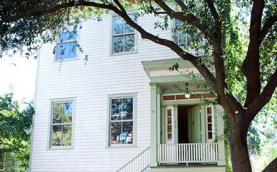 1093: Luxury Landershine House - Image 1 - Savannah - rentals