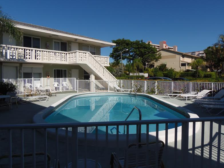 Swimming Pool - Great Location_100 Yards To The Beach - Pompano Beach - rentals